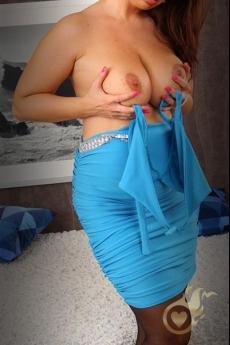 Mooie escort met grote borsten